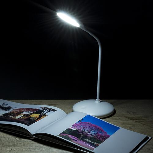Luminaria-de-Mesa-12-Leds-Flexivel-1675d1-1480447852